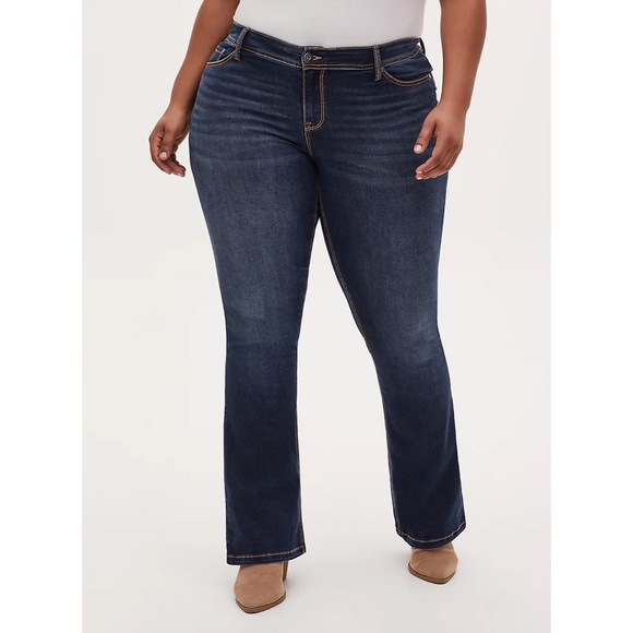 TORRID LUXE SLIM BOOT JEANS SIZE 16R